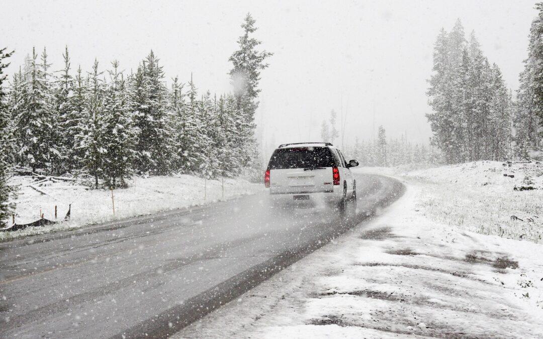 Atenție șoferi! Reguli pentru siguranța în trafic pe timp de iarnă